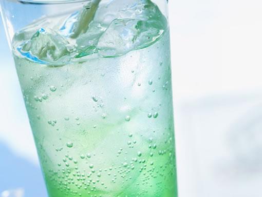 agua fria quema calorias