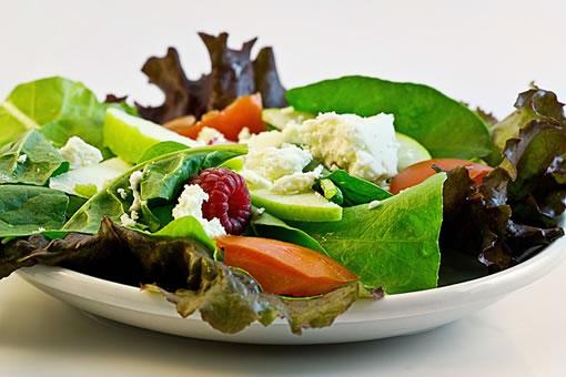 Las enzimas y alimentos crudos son muy necesarios