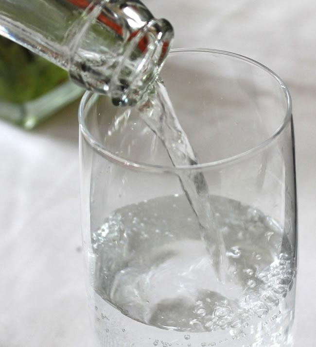 Hay que beber mucha agua durante los ayunos