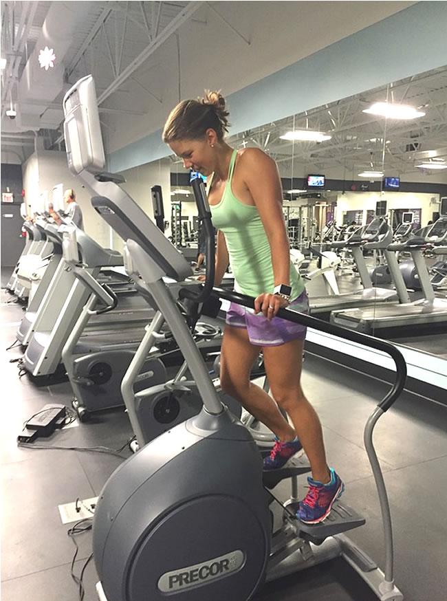 Entrenamiento con bicicleta elíptica para bajar de peso