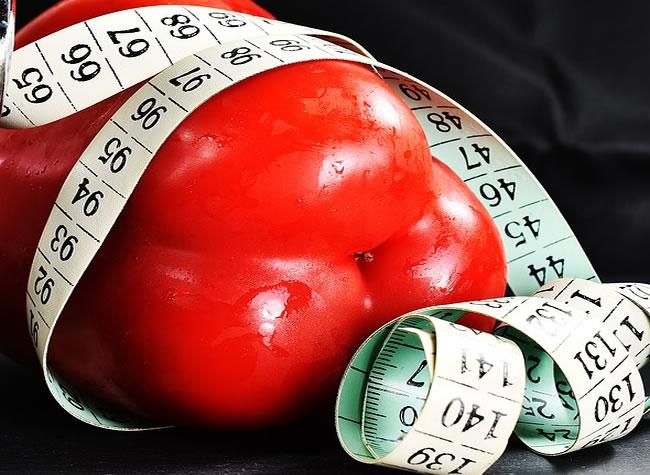 Comer poco por la noche o saltarse la cena puede mejorar tu salud