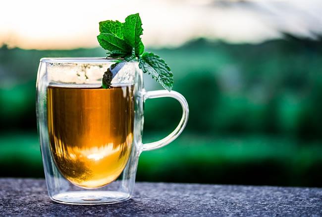Una infusión detox de té de canela para adelgazar